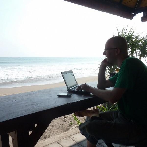 work-life-balance-employee-vacation-beach